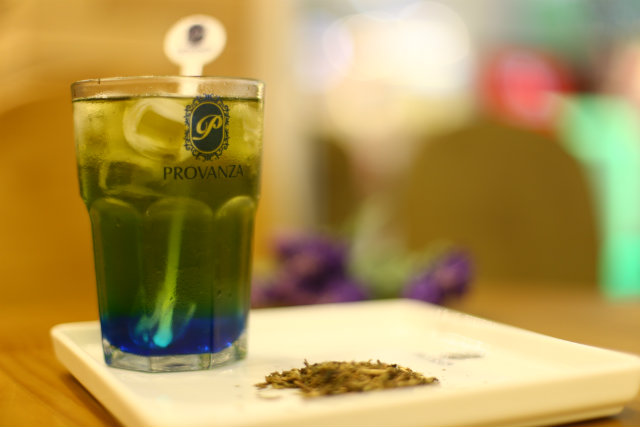 Para os que ainda não estão habituados com a bebida, o ideal é iniciar pelos chás gelados das lojas Provanza (Boa Viagem e Shopping Boa Vista). Foto: Peu Ricardo/DP