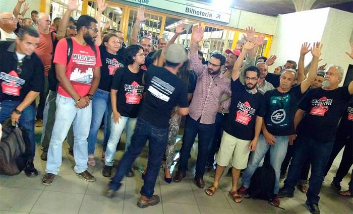 Assembleia foi realizada na Estação Central do Metrô do Recife. Foto: Facebook/Reprodução