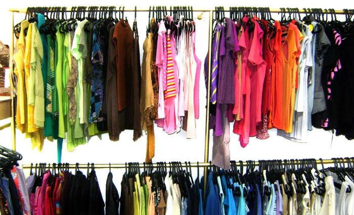 Bazar solidário distribui roupas e acessórios para população trans e travestis . Foto: Divulgação