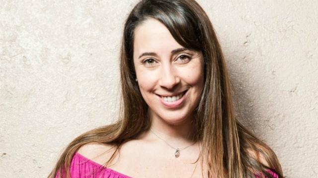 Paula Pimenta é autora das sequências Fazendo Meu Filme e Minha Vida Fora de Série. Foto: Léo Drummond/Divulgação