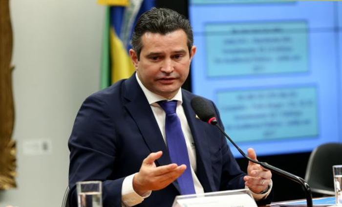 O ministro dos Transportes, Maurício Quintella, em audiência na Câmara. Foto: Wilson Dias/Agência Brasil (O ministro dos Transportes, Maurício Quintella, em audiência na Câmara. Foto: Wilson Dias/Agência Brasil)