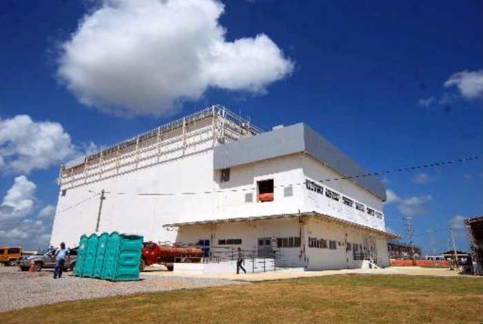 Unidade em construção prevê investimentos na ordem de R$ 800 milhões para produzir hemoderivados e recombinantes. Foto: Annaclarice Almeida/DP