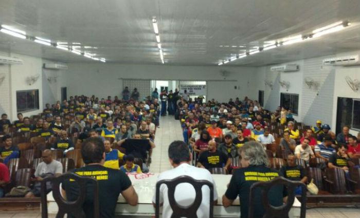 Trabalhadores dos Correios em greve por tempo indeterminado. Foto: Divulgação