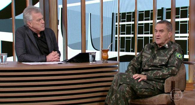 Apresentador equilibrou conteúdo das perguntas ao comandante do Exército. Foto: Globo/Reprodução