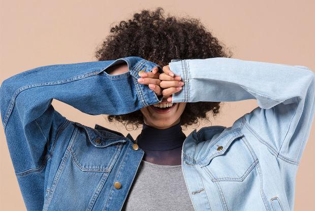 Do estilo artesanal ao luxuoso, do divertido ao minimalista, sempre há um jeans para você. Foto: Mariana Maltoni/Divulgação