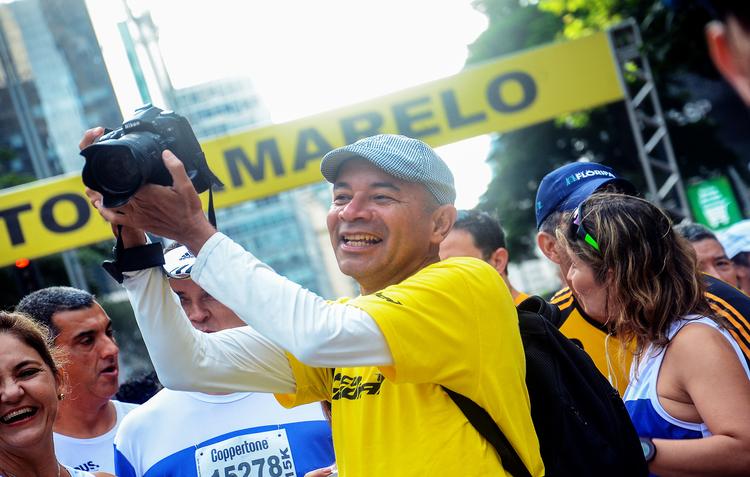 O economista Anizio Lopes agora é fotógrafo oficial de provas (Bruno Lopes / Divulgação)