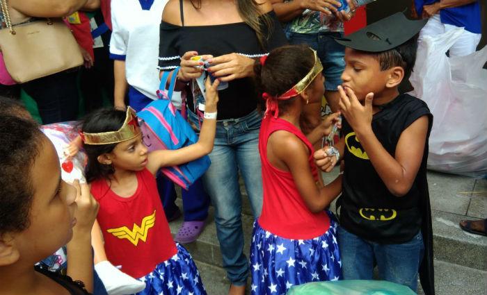 Crianças do GAC viram super-heróis nesta quinta-feira. Foto: Tatiana Ferreira/ DP