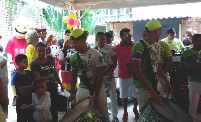 Evento acontece no estacionamento do Centro de OncoHematologia Pediátrica do Hospital Oswaldo Cruz com apresentação da banda Patusco. Foto: Tatiana Ferreira/ DP