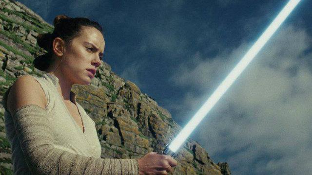 filme, Rey busca a tutela de Luke. Foto: Walt Dinsney/Divulgação