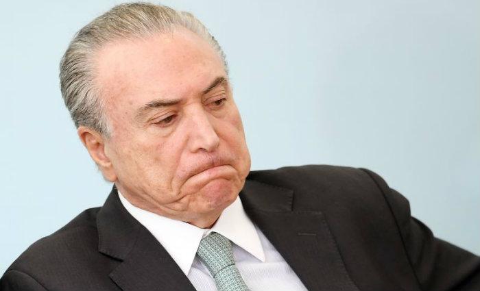 O relatório de Bonifácio ressalta a questão constitucional, segundo a qual um presidente não pode ser punido por fatos estranhos ao seu mandato.Foto: Evaristo Sá/AFP