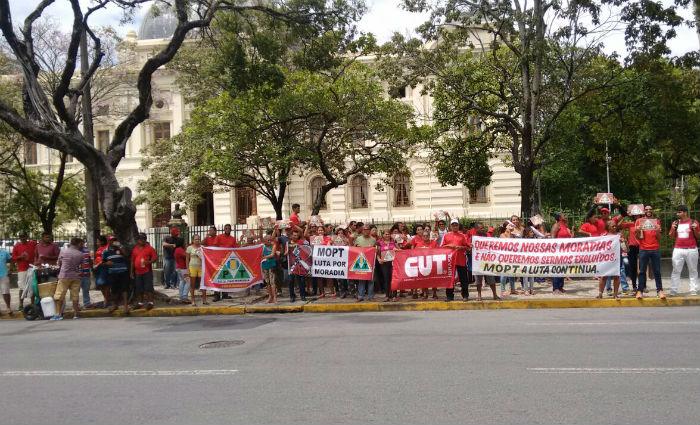 Grupos se concentram desde as 9h30 no Parque 13 de Maio, de onde irão realizar uma marcha pelo Recife. Foto: Divulgação
