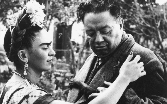 Frida e Diego se casaram em 1929 e só se separaram após a morte da artista, em 1954. Foto: Mepe/Divulgação
