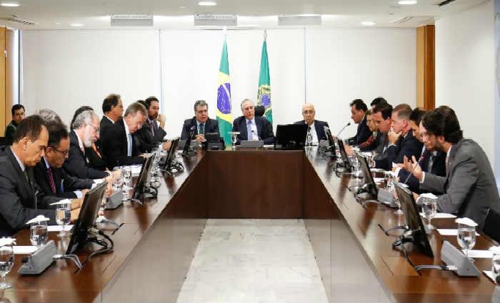 Presidente se reuniu com lideranças do setor para duscutir sobre a Funrrural e o Renovabio. Foto: Feplana/Divulgação