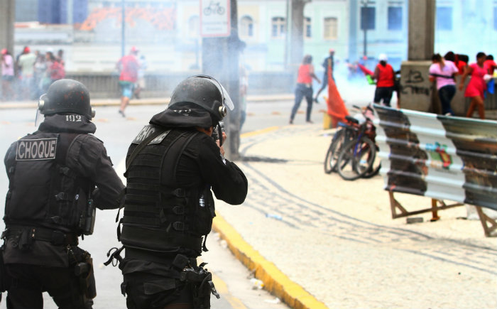 Choque agiu com bombas de gás e balas de borracha. Foto: Peu Ricardo/DP