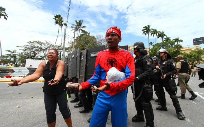 Manifestantes reclamam de ação violência da polícia. Foto: Peu Ricardo/DP