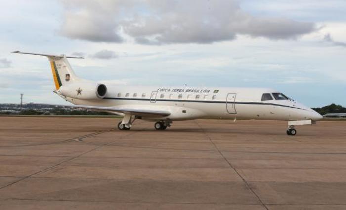 O primeiro voo beneficiado com a mudança foi de uma aeronave da FAB e realizou um transporte de órgãos para transplante (Valter Campanato/Agência Brasil)