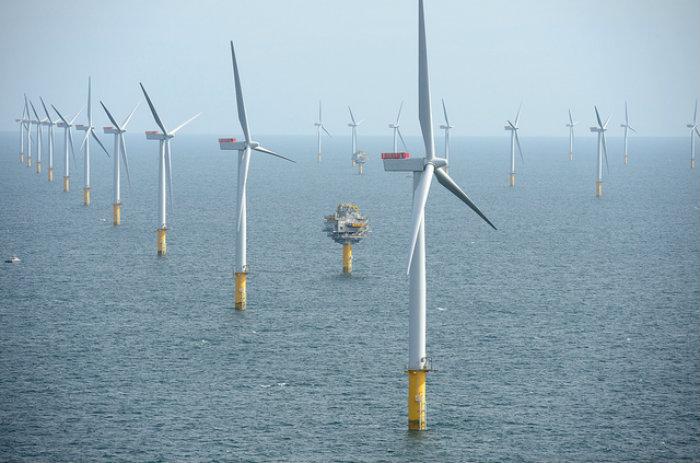 Resultado de imagem para primeiro parque eólico flutuante do mundo