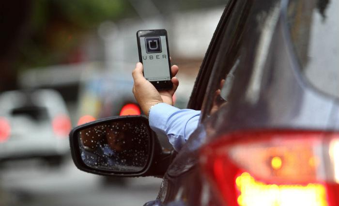 Regras foram alteradas para o transporte feito por serviços como Uber. Foto: Paulo Paiva/DP