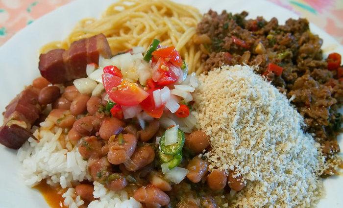 Entre os alimentos estão o feijão e o arroz. Foto: Reprodução/Flickr