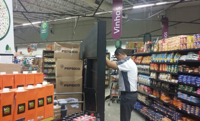 Supermercado passa por reestruturação interna com movimentação das gôndolas (Reprodução Whatsapp)