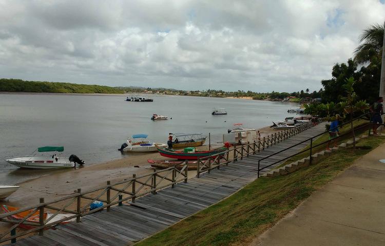 Orla do Pôr-do-sol, no povoado de Mosqueiro, é partida para passeios em mangues e praias (Cláudia Eloi / DP)