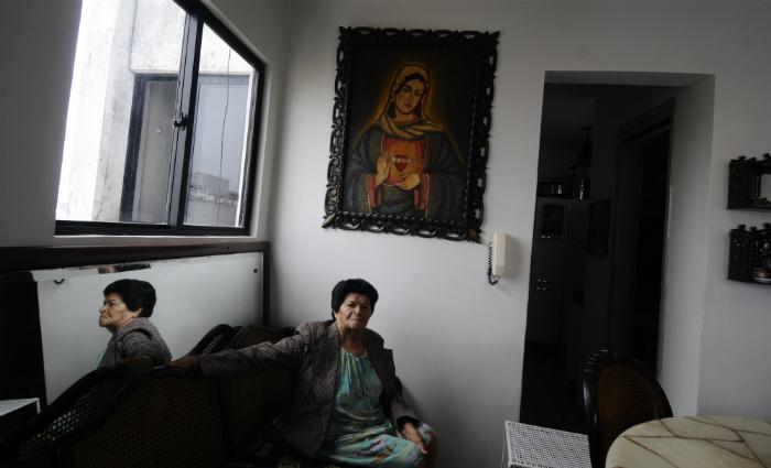 A enfermeira Anita acompanhou o capuchinho por três décadas. Foto: Alcione Ferreira/DP