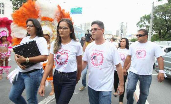 Ana Mota e Sandro Romildo querem solução do crime que vitimou sua filha. Foto: Nando Chiappetta/DP