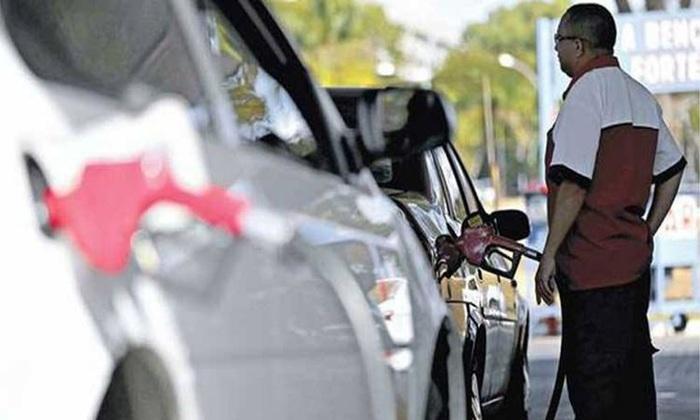 A Petrobras autorizou na semana passada alta de 2,3% para a gasolina e de 1,9% para o diesel nas refinarias brasileiras. Foto: Marcelo Camargo/Agência Brasil