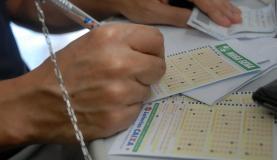 Aposta mínima custa R$ 3,50. Foto: Agência Brasil/Arquivo (Aposta mínima custa R$ 3,50. Foto: Agência Brasil/Arquivo)