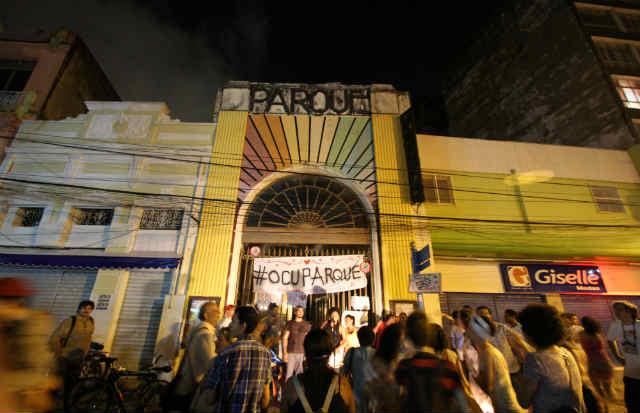 Manifesto cobra reabertura do equipamento cultural. Foto: Paulo Paiva/DP