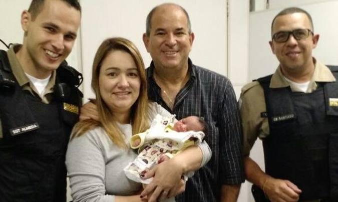O casal acompanhou a bebê até o hospital Sofia Feldman. Foto: Arquivo pessoal