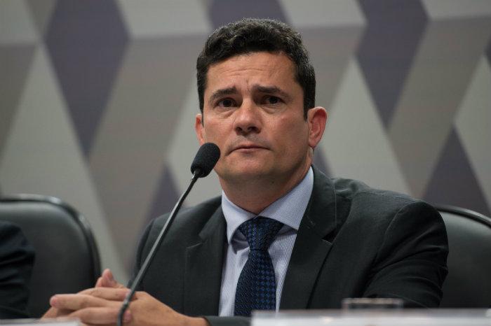 O juiz federal Sérgio Moro aceitou o aditamento de denúncia contra o ex-diretor de Serviços da Petrobrás Renato Duque e o lobista Guilherme Esteves. Foto: Reprodução/Fotos Públicas.