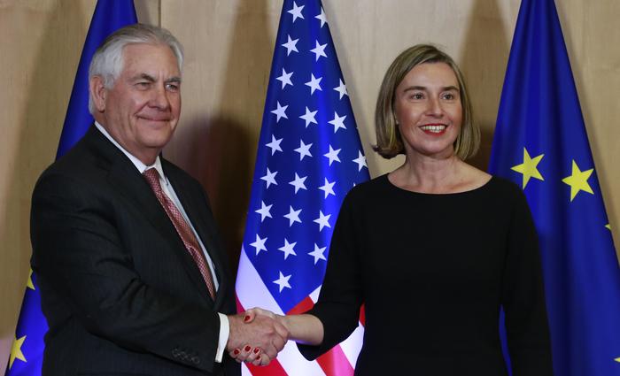 Federica participou de reunião com o secretário de Estado dos EUA, Rex Tillerson. Foto: OLIVIER HOSLET POOL/AFP