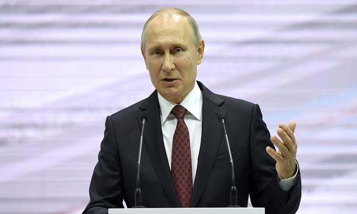 O presidente da Rússia, Vladimir Putin, disse que buscaria um novo mandato de seis anos nas eleições de março. Foto: Yuri Kadobnov/AFP