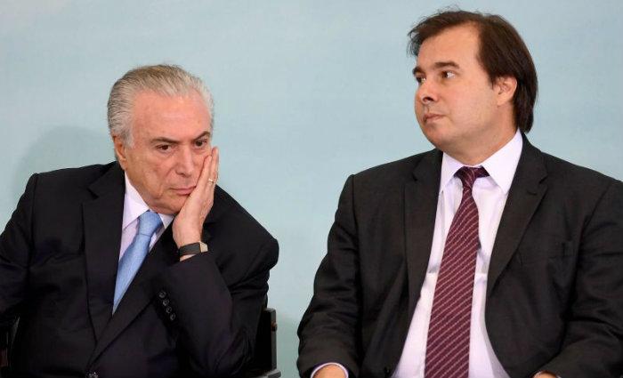 PMDB, partido de Temer e Maia, obrigou que seus 60 deputados federais votem à favor da Reforma. Foto: Evaristo Sá/AFP (Foto: Evaristo Sá/AFP)