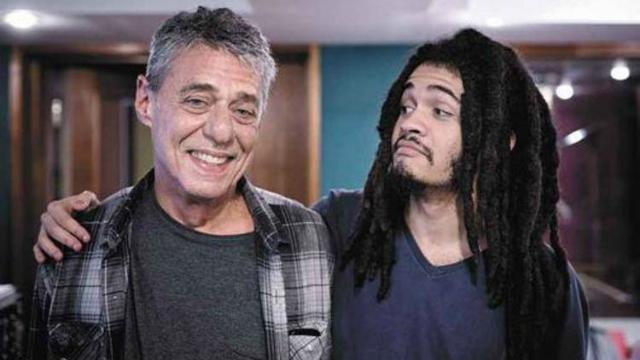 Buarque e Brown durante a gravação de Massarandupió, no Rio de Janeiro. Foto: Leo Aversa/Divulgação