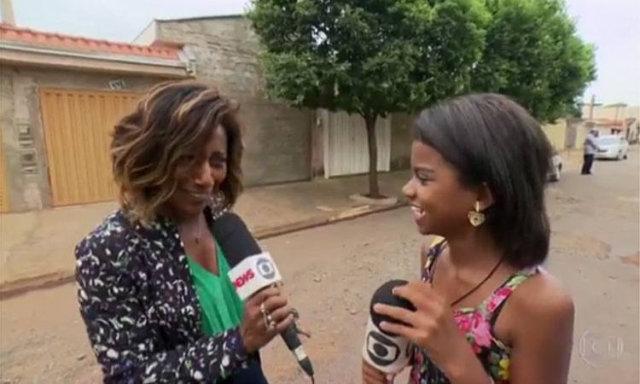 Glória Maria permitiu que a garota a entrevistasse. Foto: Globo/Reprodução