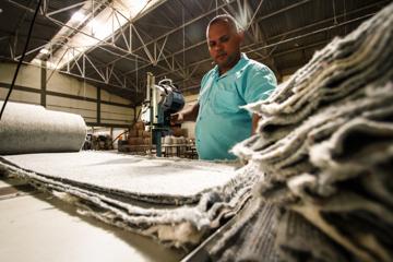 Carlos Eduardo acredita que é a dedicação do indivíduo que mais contribui para sua absorção nas empresas, uma vez dada a oportunidade. Foto: Rafael Martins/Estúdio DP (Rafael Martins/Estúdio DP)