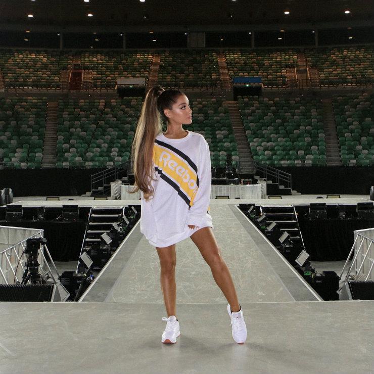 No caso da Reebok, Ariana Grande tornou-se parceira. Foto: Reebok/Divulgação