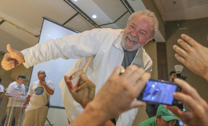 Ex-presidente ainda tem apoio ferrenho de movimentos sociais. Foto: Foto Ricardo Stuckert