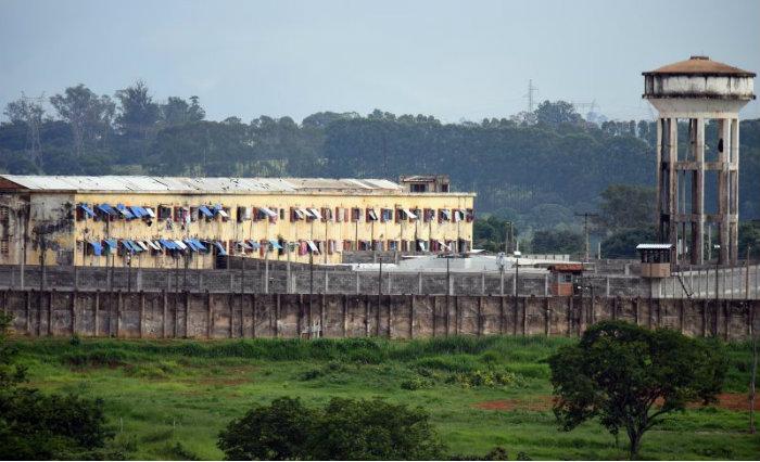 No Complexo Penitenciário de Aparecida de Goiânia, 87 internos do semiaberto, dos mais de 200 fugiram, ainda não retornaram ou foram recapturados. Foto: Ed Alves/Cb (Foto: Ed Alves/Cb)