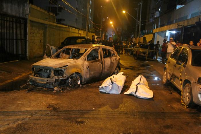 Homicídios têm desafiado a polícia pernambucana. Foto: Nando Chiappetta/DP/Arquivo (Homicídios têm desafiado a polícia pernambucana. Foto: Nando Chiappetta/DP/Arquivo)