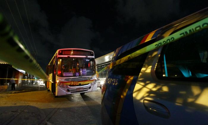 Assaltos a ônibus continuam preocupando a segurança pública. Foto: Rafael Martins/DP/Arquivo (Assaltos a ônibus continuam preocupando a segurança pública. Foto: Rafael Martins/DP/Arquivo)