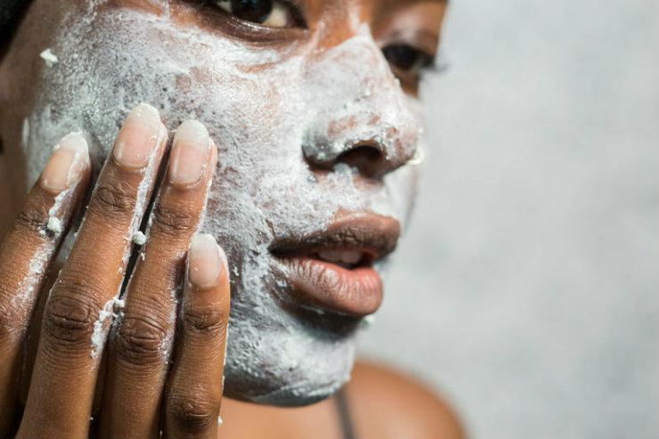 Entre as cinco opções de máscaras gelatinosas, quatro têm composição vegana. Elas duram cerca de quatro meses. Foto: Lush/Divulgação