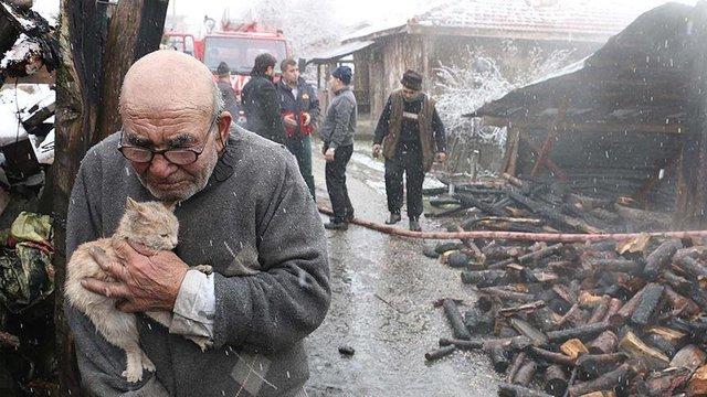 A imagem rodou a Turquia e emocionou o país. Crédito: Facebok/NTV Radyo