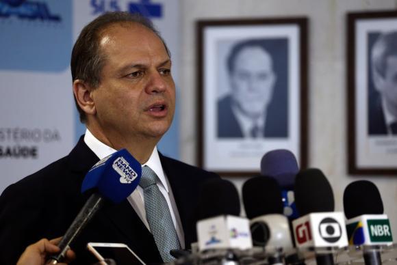O ministro da Saúde, Ricardo Barros, fala sobre compra de órteses e próteses para o SUS. Foto: José Cruz/Agência Brasil