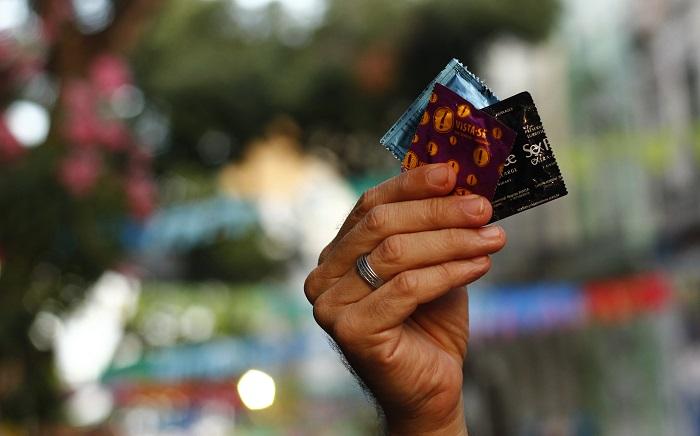 A forma mais eficaz de prevenção a infecções sexualmente transmissíveis é através do uso de preservativos. Foto: Shilton Araújo/Esp. DP (A forma mais eficaz de prevenção a infecções sexualmente transmissíveis é através do uso de preservativos. Foto: Shilton Araújo/Esp. DP)