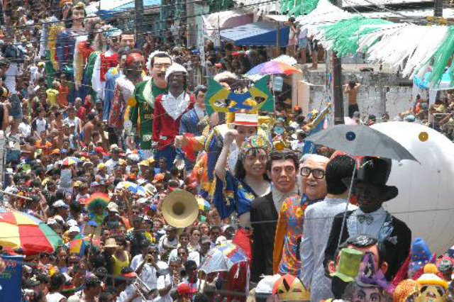 Desfile dos bonecos gigantes, famoso ícones de Olinda. Foto: Acione Ferreira/DP