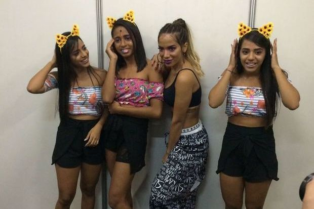 MC Loma visitou camarim de Anitta acompanhada das Gêmeas Lacração