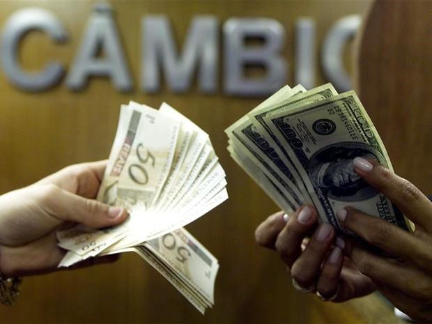 Em janeiro, o Brasil recebeu pela via comercial US$ 2,535 bilhões líquidos. Foto: Arquivo/Agência Brasil